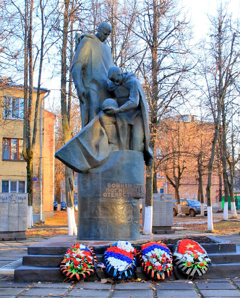 Памятник Роза из двух видов гранита Судогда Резные памятники Обоянь